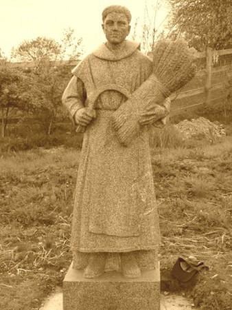 Statue av St Moling like utenfor byen Graignamanagh