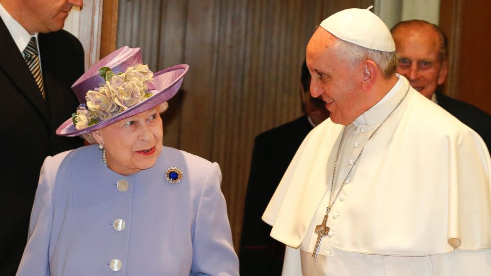 http://www.catholicireland.net/wp-content/uploads/2014/04/Pope-Francis-and-Queen-Elizabeth.jpg