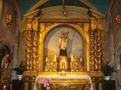 Le Puy-en-Velay, altar and statue of St.Jean-François Régis.