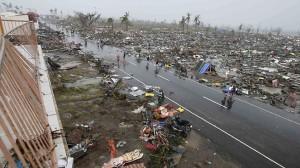 911339-131111-philippines-typhoon