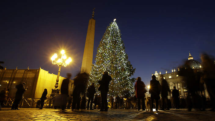 Pope Highlights Symbolism Of Christmas Tree Lights Catholicireland