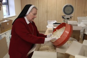 red nuns Altar-Breads-4