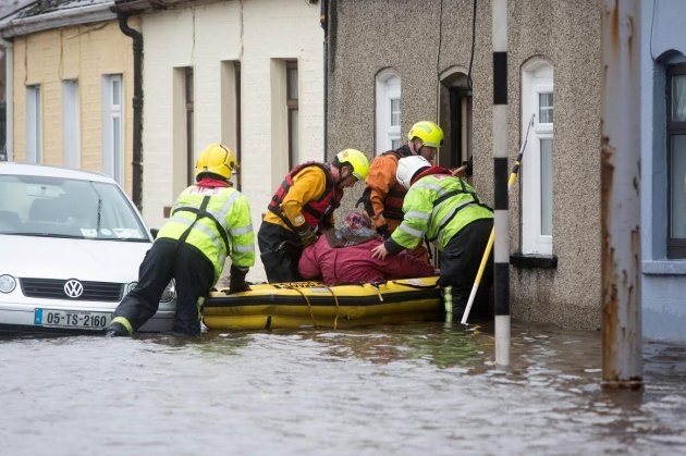Flooding in Limerick City. Pic courtesy: thejournal.ie and Sean Curtin.