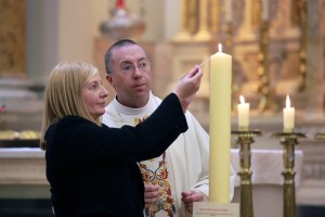 Fr Robert McCabe and Rhona McConnell from Aid to the Church in Need at a Mass in support of Christians in Iraq, at Clarendon street Church in Dublin. Picture: Arthur Carron