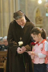 Sr Kathleen from the Poor Clares and Maria Rose O'Hare, 8, from Eskra Co.Tyrone at the Launch of the Rise of the Roses  St Patrick's Cathedral  Armagh  1 February 2015 Credit: LiamMcArdle.com