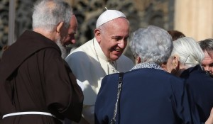 Pope Francis meets elderly pilgrims. Pic courtesy: CNS