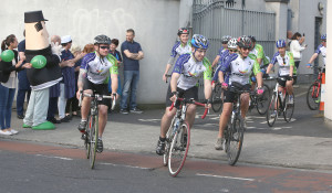 Cylists leave dublin to take part in The 2015 Great Escape charity cycle, 80 people, most of whom are gardaí, are participating in this charity cycle which will span 300 kilometres from Dublin to Belmullet, Co. Mayo and finish tomorrow, Saturday, June 13th, to raise funds for the Capuchin Day Centre, donatations can be made to the centre on www.homeless.ie. Picture credit; Damien Eagers NO FEE 12/6/2015