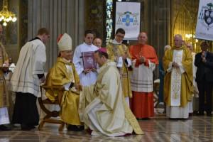 Archbishop Martin receives the pallium from the Nuncio.