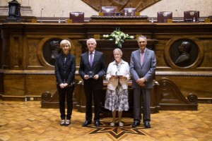 Sr Dr Maura Lynch receiving the North South Award in the Portuguese parliament.