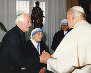 Fr Kevin Doheny of Vita with Blessed Mother Teresa and Pope St John Paul II.