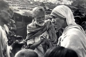 Mother Teresa and lepers